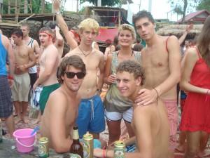 party_vang_vieng