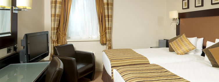 full_thistle_london_heathrow_rooms_deluxe_twin